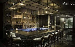 6_Bild 2_AC Hotels New Orleans Bourbon Bar Lounge.jpg